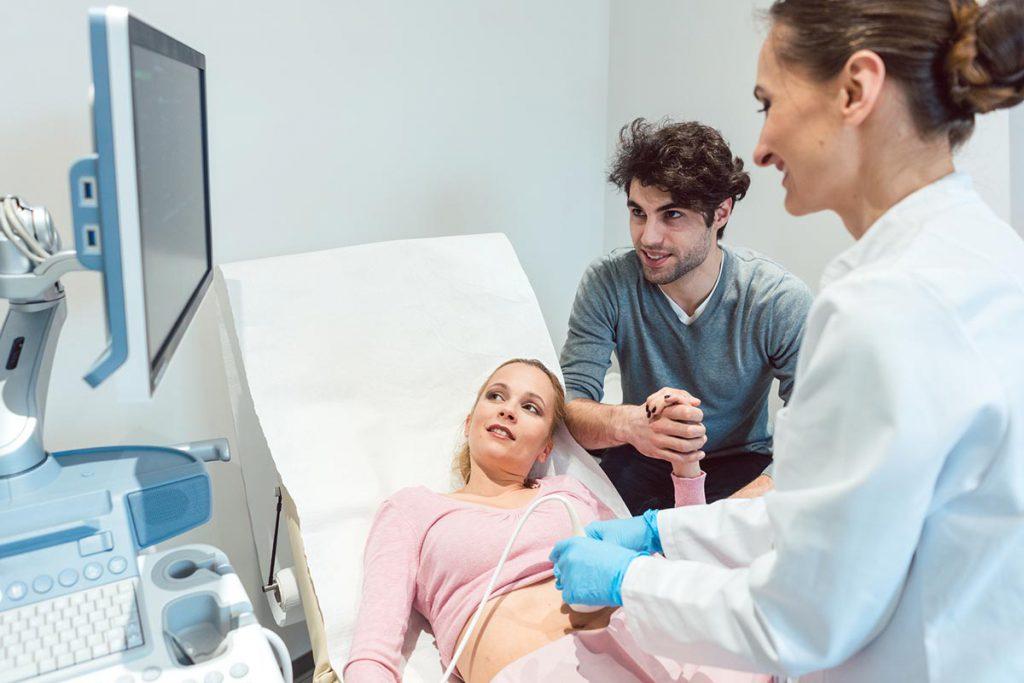 Нужны ли прививки недоношенному младенцу?