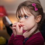 Как научить ребенка дружить, если родители – необщительные люди