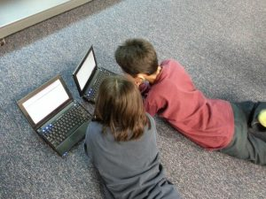 Специалист рассказал об угрозах детской психике от гаджетов и Интернета