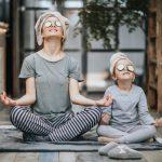 Зачем ребенку йога: 5 асан, которые помогут лучше учиться