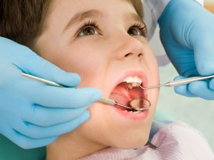 Молочные зубы — особенности, когда начинают резаться и уход за ними