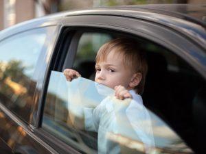 Вот почему нельзя оставить ребенка в машине даже на 5 минут