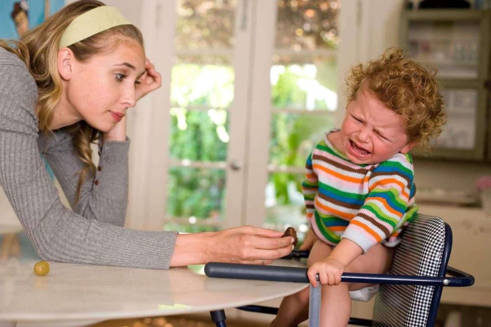 Детская истерика: как реагировать и унять малыша?