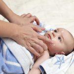 У ребенка болит живот в области пупка - что делать?