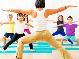 5 причин отвести своего ребенка на занятия по йоге