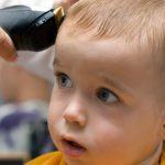 Нужно ли ребёнка в год стричь налысо?